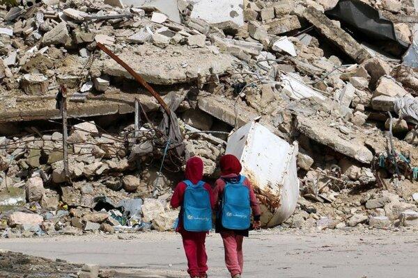 Syrian Girls by Jordi Bernabeu Farrus with CC licence from Flickr https://www.flickr.com/photos/jordibernabeu/16641056319/in/photolist-rzvExP-sjrUAm-s43eH1-sawDJs-rTdT28-s9Jfuy-rASkEh-rxgREU-rHzRru-rmvLh8-qBtpjH-rgcqDr-rvDGcX-reCho6-qS2eKa-rF1GTW-rHidr8-rjLffA-r3cK48-qWrPsg-qct2rj-r9tDtF-qRUSMG-r9tyov-qH9fyp-qMyGr2-q7YWuW-qX4vXd-qWVY1G-qZ5b7H-qSzD1m-pY6dWp-qUHFvZ-qUN5fu-qUN4ss-qUN3fC-qSzwNw-qUN1XC-pXSp1E-qUSucc-qUStm4-pXSmps-qUMWy7-qUHvCH-qCrLL2-qUSoAT-qUMSNG-qCj7b3-pXSebu-qCq4uD