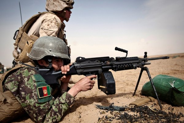 US Marine training Afghan Army by An honorable German