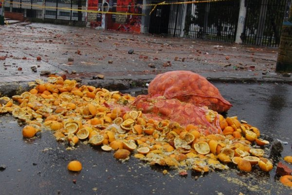 Oranges_Riot Aftermath by Matt Lemmon with CC licence from flickr https://www.flickr.com/photos/mplemmon/1659516190/in/photolist-3wDsm7-8mU1h4-3wDrMW-aAaJ8X